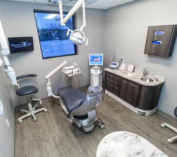 Dentist Holland Family Dentists